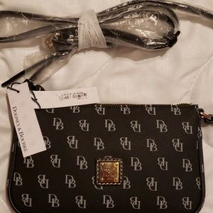 Dooney and Bourke Black Lexi Crossbody purse w/tag